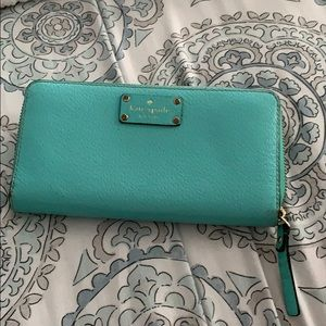 Kate spade wallet. Great condition
